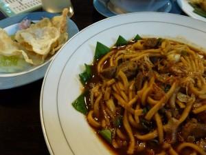 Mie Kepiting Meulaboh Versus Mie Kering Makassar